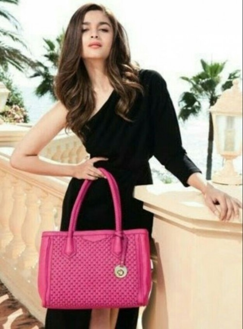 Looking for the pink top handle bag that Alia Bhatt is carrying - SeenIt