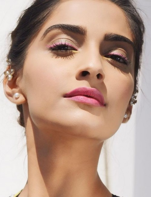 Want similar pink lipstick that Sonam Kapoor is wearing - SeenIt