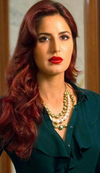 looking for the similar kundan necklace that Katrina Kaif is wearing. - SeenIt