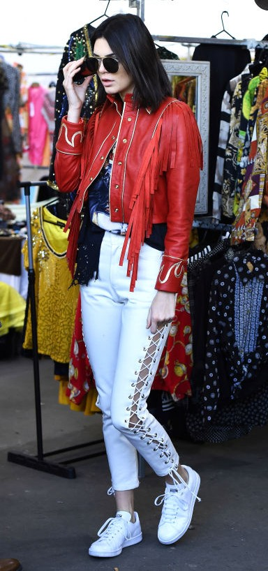 Yay or Nay? Kendall Jenner spotted in her cool street style look during the London Fashion Week - SeenIt