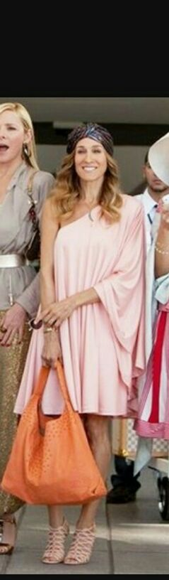 Want this one shoulder dress sarah jessica parker is wearing - SeenIt