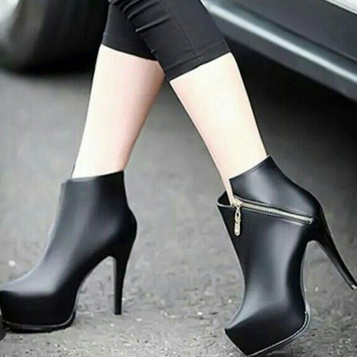 Want the black boots - SeenIt