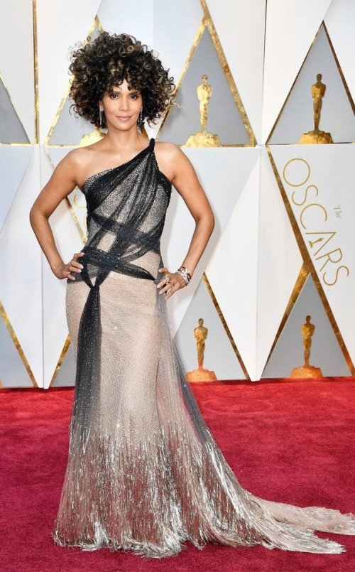 Yay or Nay? Halle Berry attends the Oscars night in a Versace single shoulder shimmer gown - SeenIt