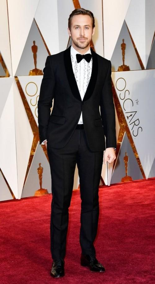 Yay or Nay? Ryan Gosling wearing a Gucci suit at the Oscars red carpet - SeenIt