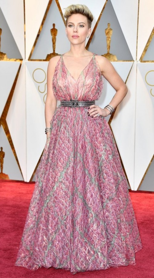 Yay or Nay? Scarlett Johansson attends the Oscars wearing a pink Alaia plunging gown - SeenIt
