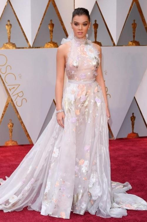 Yay or Nay? Hailee Steinfeld wearing a flower laden Ralph & Russo gown at the Oscars night - SeenIt