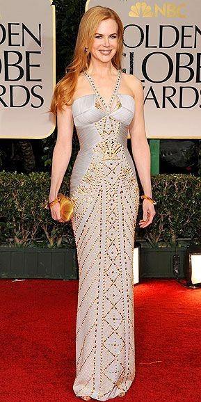 16f5f80439 Nicole Kidman looked pretty in this ivory halter neck gown embellished with