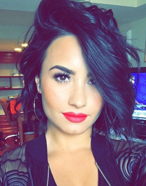 I want the exact red lipstick that Demi Lovato is wearing. - SeenIt