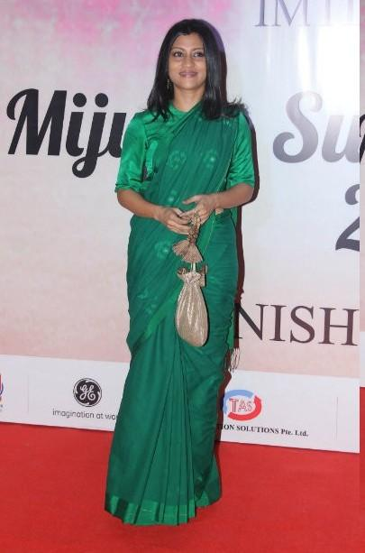 Yay or Nay? Konkana Sen wearing a green saree at the Mijwan summer fashion show by Manish Malhotra - SeenIt