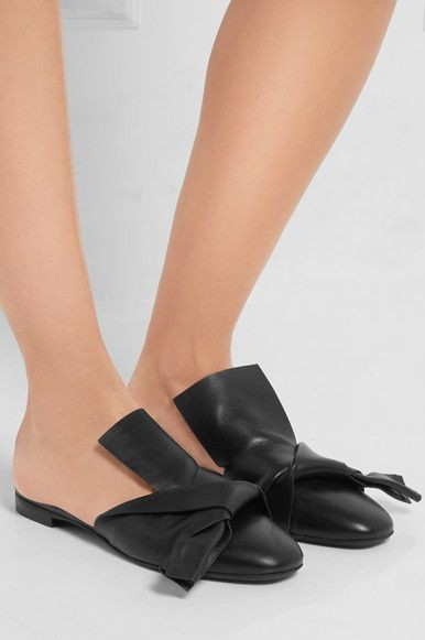 Looking for a similar black mules. Have you seen it? - SeenIt