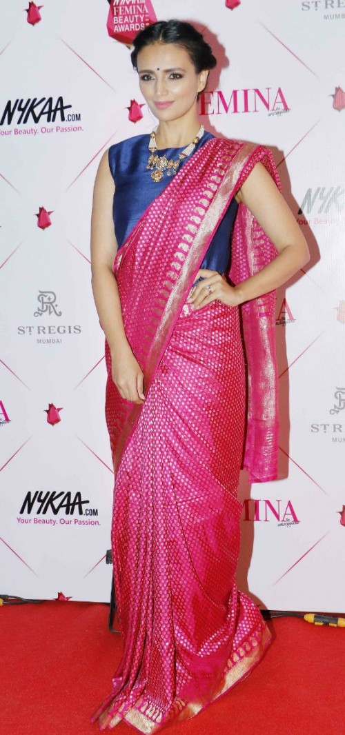 Yay or Nay? Roshni Chopra wearing a banarasi silk saree with a Payal Khandwala crop top  at the Nykaa Femina Beauty Awards - SeenIt
