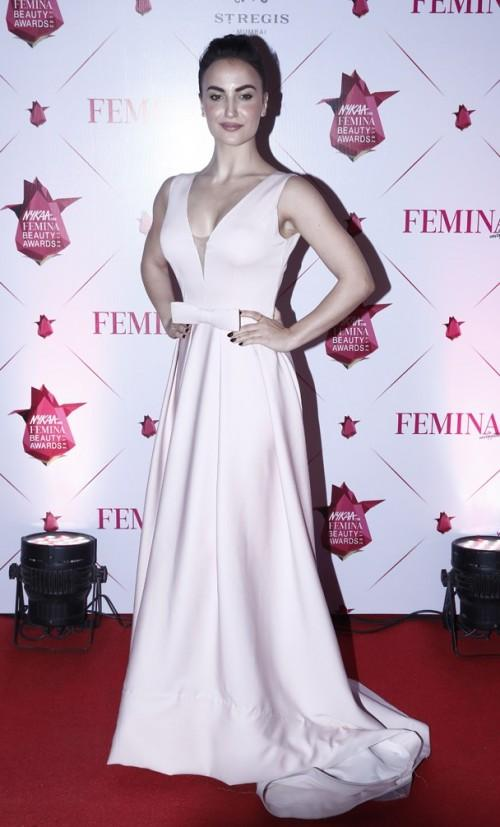 Yay or Nay? Elli Avram wearing a satin plunging gown at the Nykaa Femina Beauty Awards - SeenIt