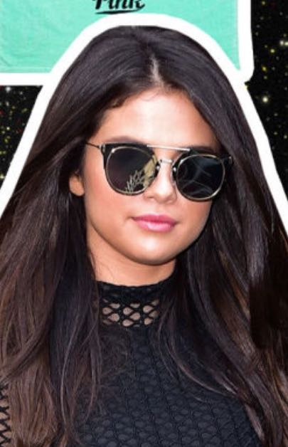 Want those sunglasses Selena Gomez is wearing (Indian sites) - SeenIt