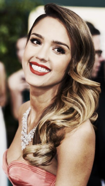 Want Jessica Alba's exact red lipstick. - SeenIt