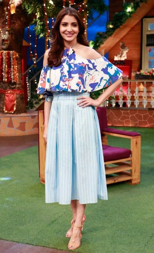 Want such outfit Anushka Sharma is wearing.. - SeenIt