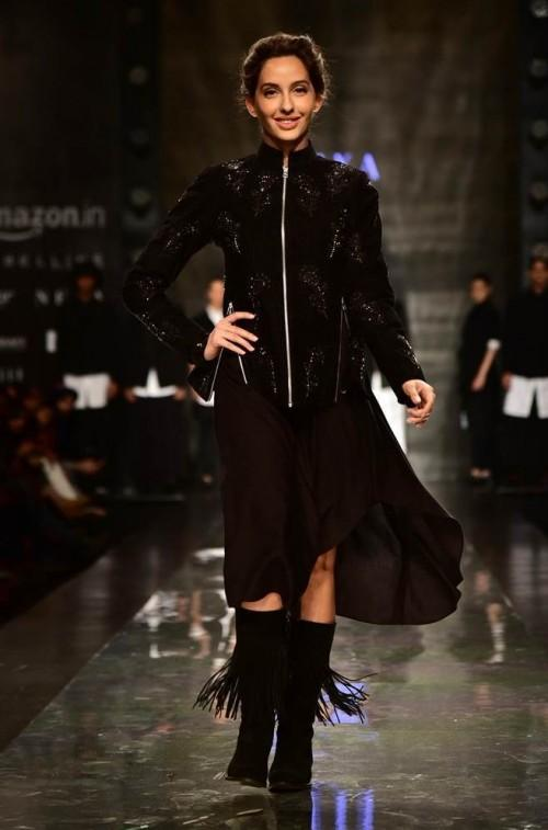 Yay or Nay? Nora Fatehi walked the ramp for Pawan Sachdeva in an all black attire during the Amazon fashion week - SeenIt