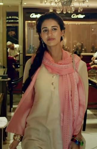 Love this Disha Patani look from the Dhoni movie- white kurta and pink dupatta.. Please help me find this! - SeenIt