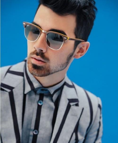 Looking for this brown clubmaster sunglasses that Joe Jonas is wearing. - SeenIt