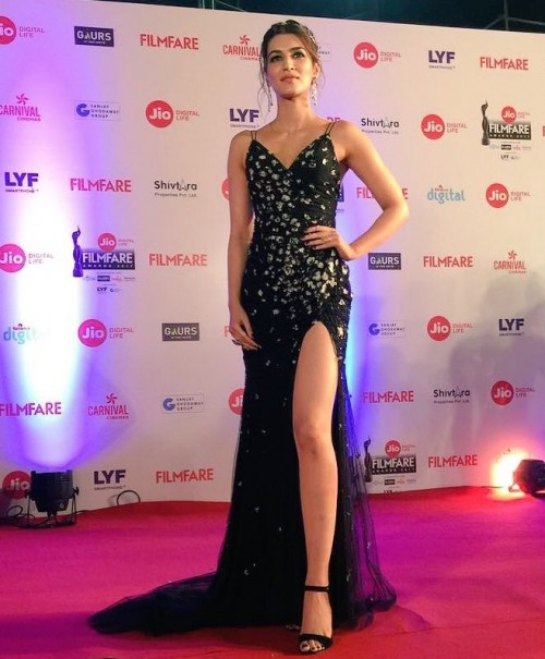 looking for the outfit kriti sanon wore in filmfare something relvant to this slit gown - SeenIt