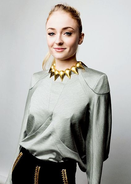 Yay or Nay? The golden choker necklace that Sophie Turner is wearing. - SeenIt