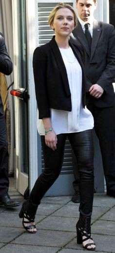 Looking for Scarlett Johansson's black leather pants, white top and black blazer. - SeenIt