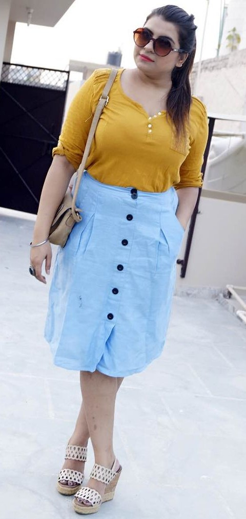 Need this blue chambray skirt. - SeenIt
