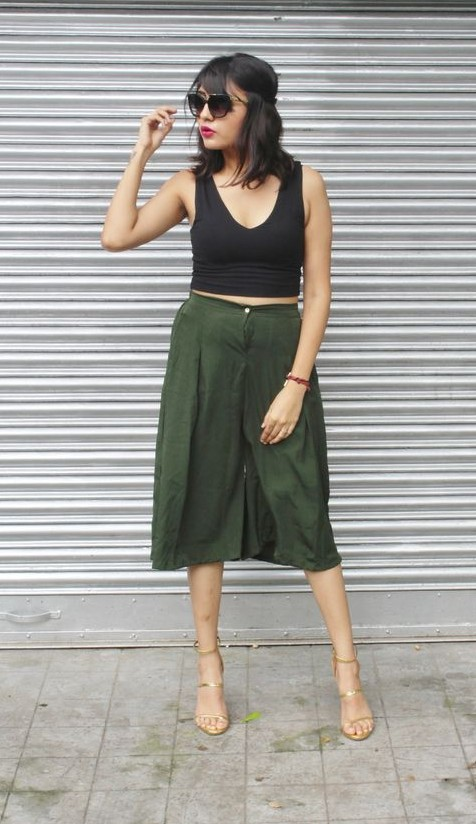 Culotte pants are so comfortable! Find me this olive green one.. - SeenIt