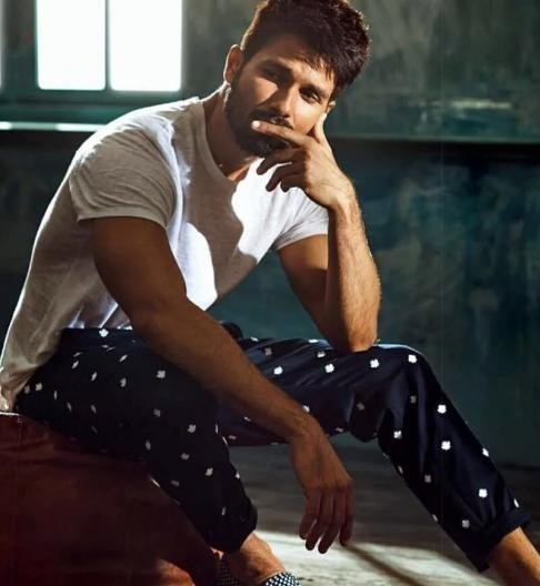 Help me find the white tee and blue printed pants that Shahid Kapoor is wearing - SeenIt