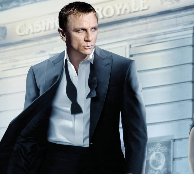 looking for black self-tie bow tie like that of Daniel Craig to wear to my brothers wedding!1 - SeenIt