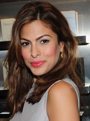 Find me Eva Mendes's exact coral shade lipstick. - SeenIt