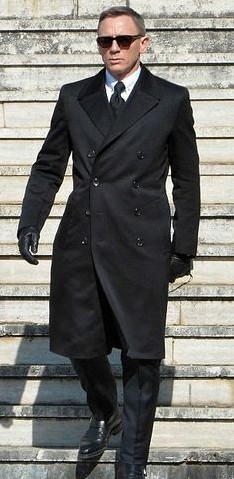 Been wanting to gift this black trench coat that Daniel is wearing to my boyfriend! Please help me look for it!! - SeenIt