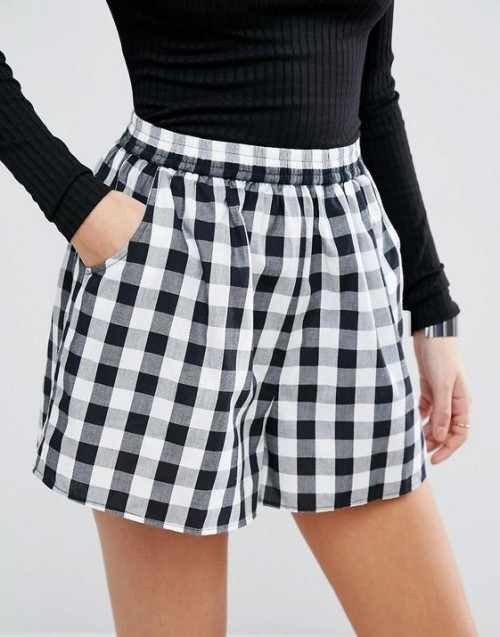Looking for this black and white checkered shorts - SeenIt