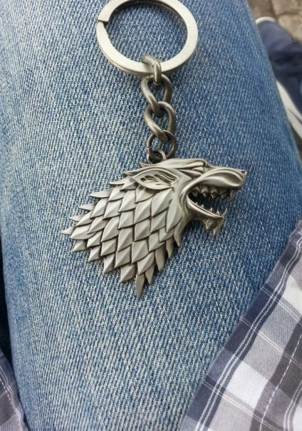 Looking for this GOT silver key chain. Any idea where to find it? - SeenIt