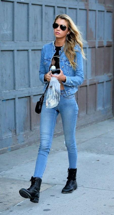0d6d195353c Looking for this blue denim jacket with skinny jeans and the black ankle  length tied up