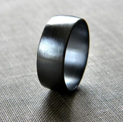 Want to gift this black ring to my boyfriend! Any leads? - SeenIt