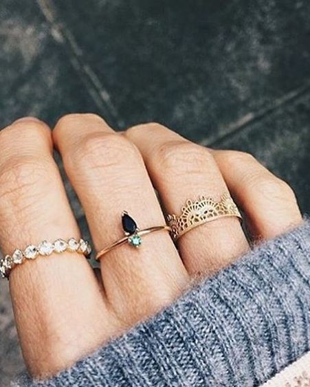 Looking for these golden and crystal rings. Any leads? - SeenIt