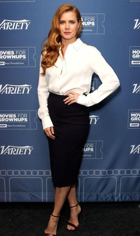 114ec59850e0a4 Find me a white shirt and black midi pencil skirt similar to what Amy Adams  is