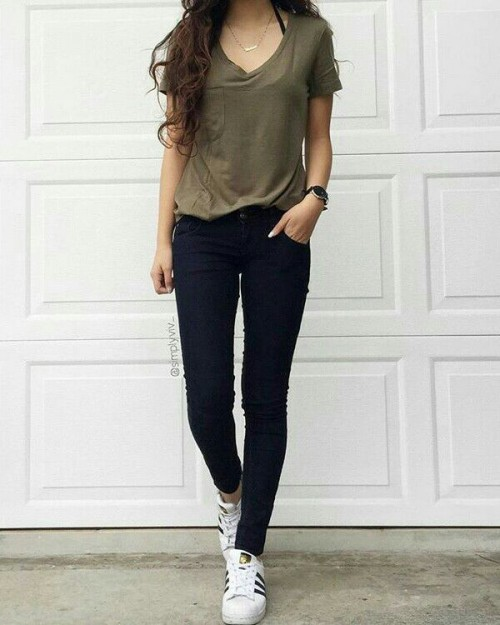 Want this v neck t-shirt - SeenIt