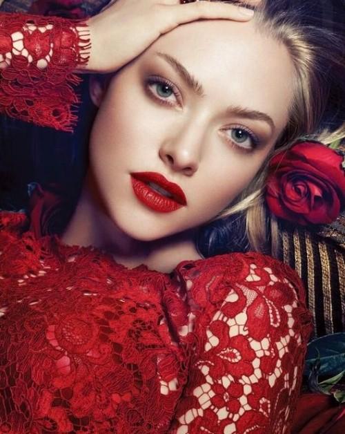 Looking for Amanda Seyfried's exact red lipstick. - SeenIt
