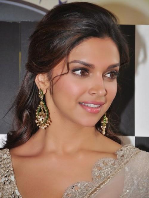 Help me find Deepika Padukone's exact pink shade lipstick. - SeenIt