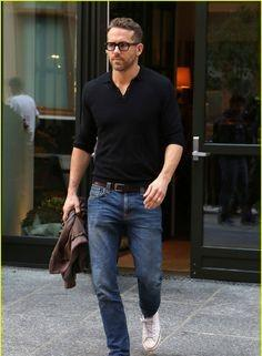 Shop ryanreynolds, jeans, outfit, shirt on SeenIt - 27783
