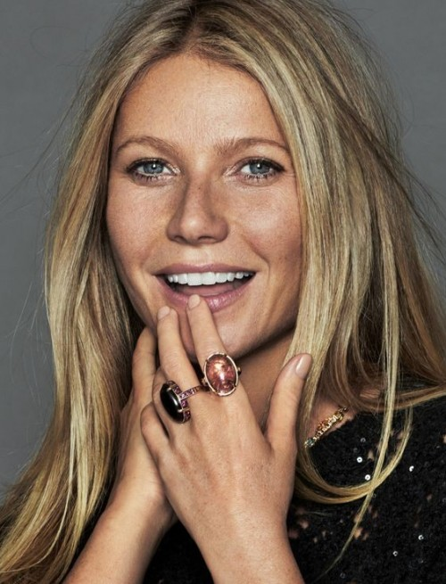 Want a similar black and bronze stone rings that Gwyneth Paltrow is wearing. - SeenIt