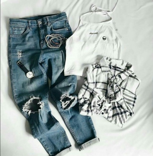 Want the white top , blue ripped denim jeans, checked shirt and black watch - SeenIt