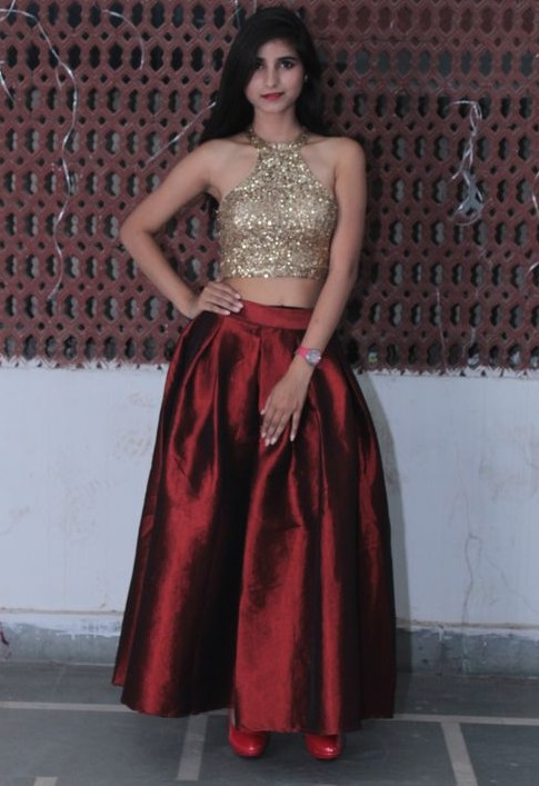 Can you help me with this outfit? Golden sequin crop top and maroon silk maxi skirt.. - SeenIt