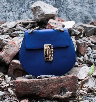Want this blue sling bag. - SeenIt