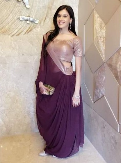 This purple saree is what I want. Help me out!! - SeenIt