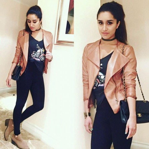 Want the black top, jeans, tan biker jacket, black quilted bag that Shraddha Kapoor is wearing - SeenIt
