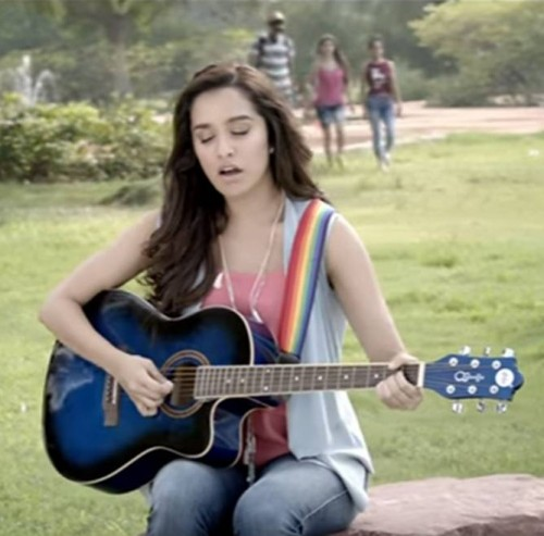 Looking for the pink top with light blue shrug and jeans that Shraddha Kapoor is wearing - SeenIt
