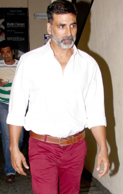 Looking for this white shirt and red pants that Akhsay Kumar is wearing - SeenIt