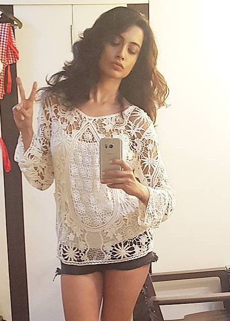 Want a similar white crochet lace top like the one Sarah Jane Dias is wearing. - SeenIt